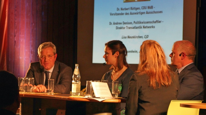 "Großes Interesse an ""Reset USA""-Talkrunde in Königswinter"