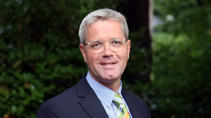 Dr. N. Röttgen
