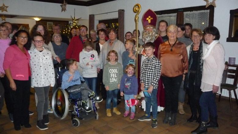 Weihnachtsfeier für Kinder mit und ohne Handicap: Frauen Union Windeck engagiert sich seit 30 Jahren.