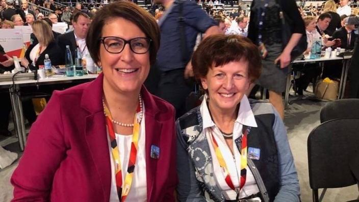 Petra Heller (li.) und Notburga Kunert, Delegierte aus dem Rhein-Sieg-Kreis