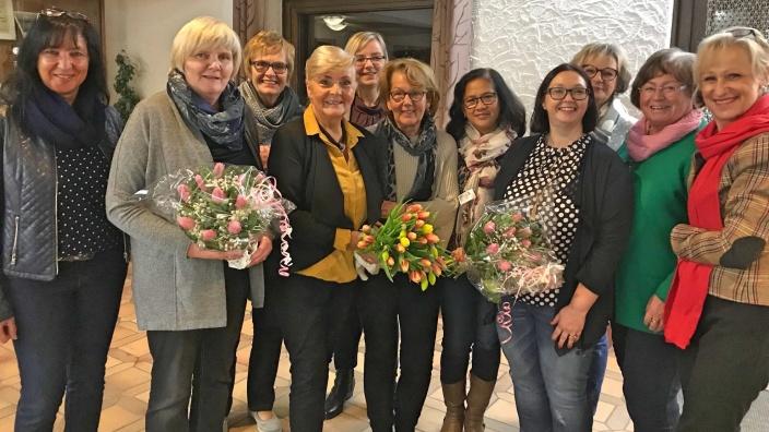 Irene Hargarten (4.v.li) mit ihrem Vorstandsteam der FU Windeck
