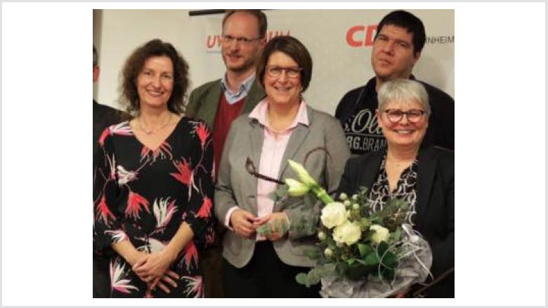 Chistina Flamme (li) wurde in den Vorstand der CDU Bornheim gewählt. Wir gratulieren!