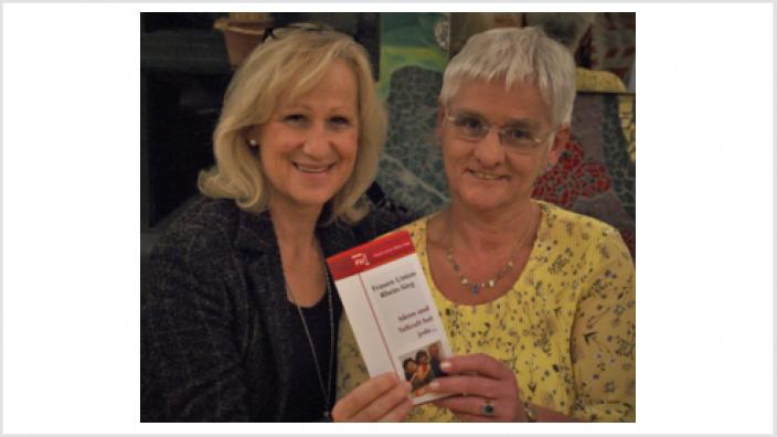 Brigitte Schnupp und Monika Grünewald beim Infoabend der FU Sankt Augustin