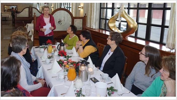 Martina Unger feiert mit der Frauen Union Swisttal beim feierlichen Adventsfrühstück: ein Jahresrückblick mit Dankeschön!